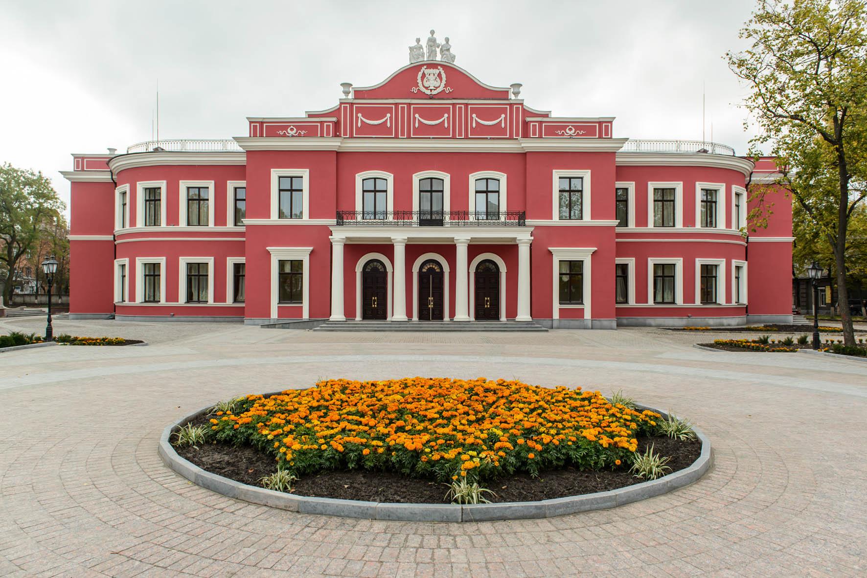 Фото Театру Корифеїв